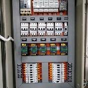 Quadros elétricos montados