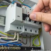 Montagem de painel comando elétrico